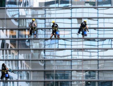 Things to Remember Before Hiring Commercial Window Cleaning Surrey